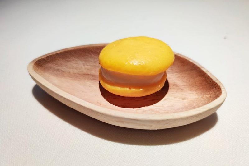 Macarrón de mango y coco