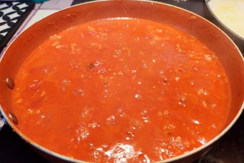 Sofrito de tomate para lasaña de carne